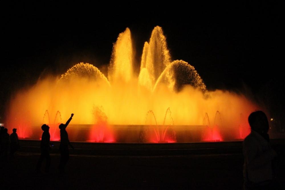 Barcelona-Font-Màgica-de-Montjuïc-magic-fountain