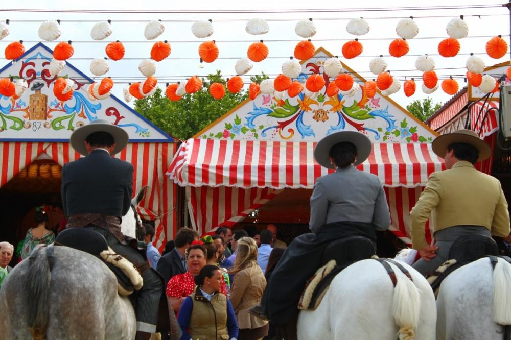 Feria-de-Abril-Sevilla-2012-caseta-horses