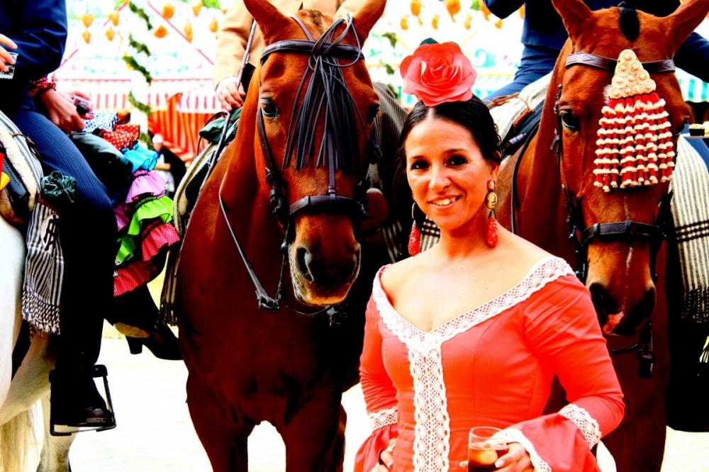 Feria-de-Abril-Sevilla-2012-traditional-clothing-horses