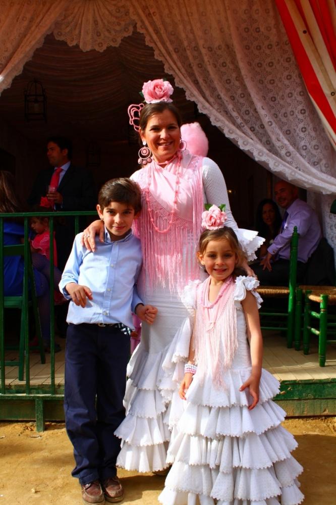 Feria-de-Sevilla-2012-clothes-traje-de-flamenca