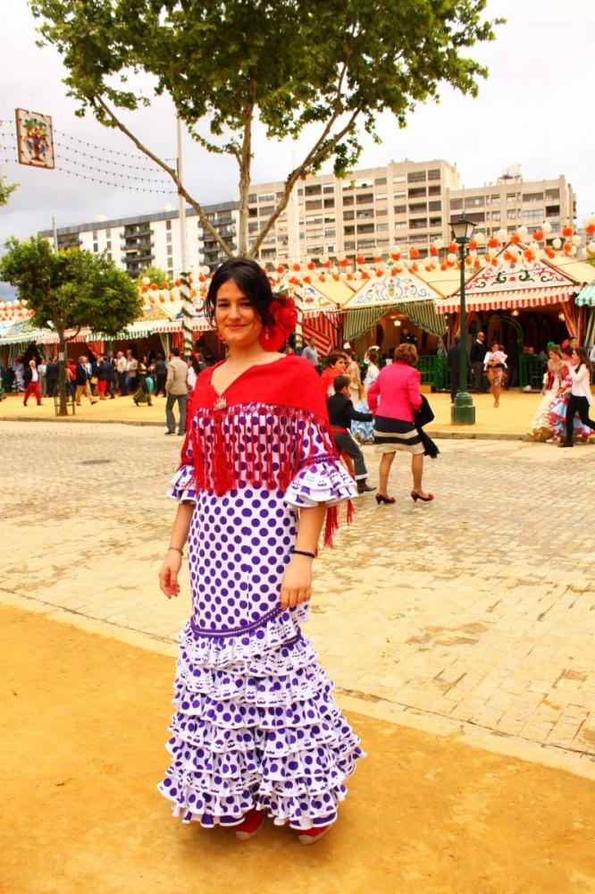 Feria-de-Sevilla-2012-clothes-traje-de-flamenca-polka-dots