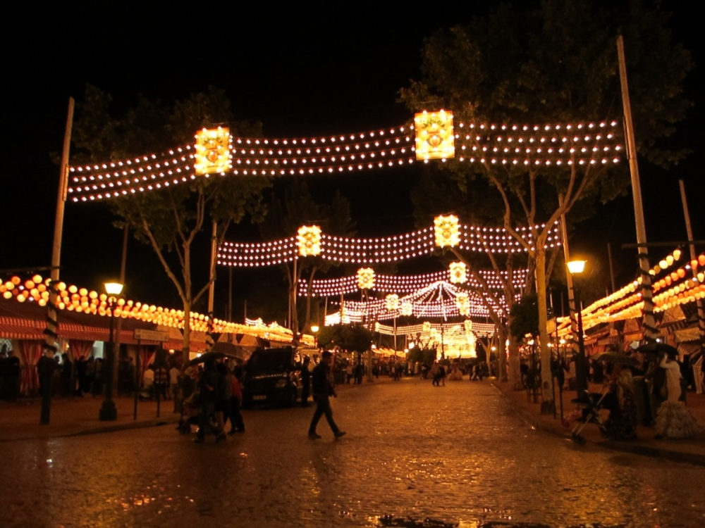 Feria-de-Sevilla-2012-at-night