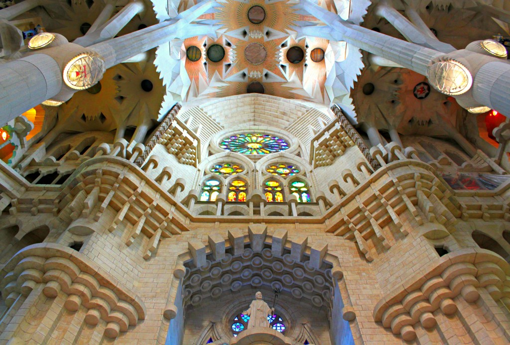 La-Sagrada-Familia-ceiling-Barcelona-Spain-2012
