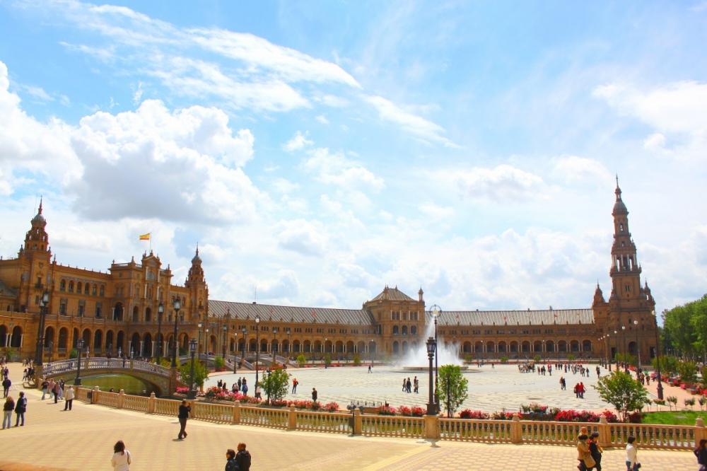 Sevilla's Plaza de España