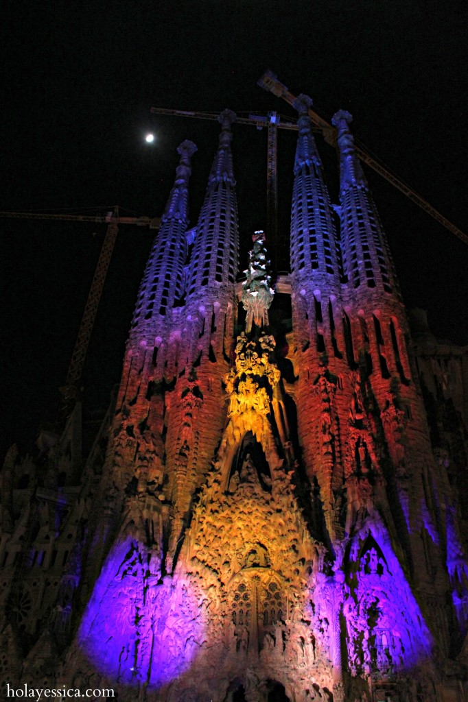 Barcelona-Christmas-Sagrada-Familia-show