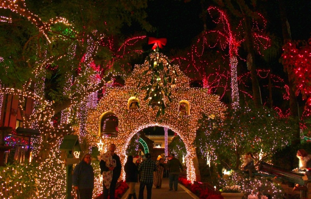 Mission-Inn-Riverside-California-Festival-of-Lights