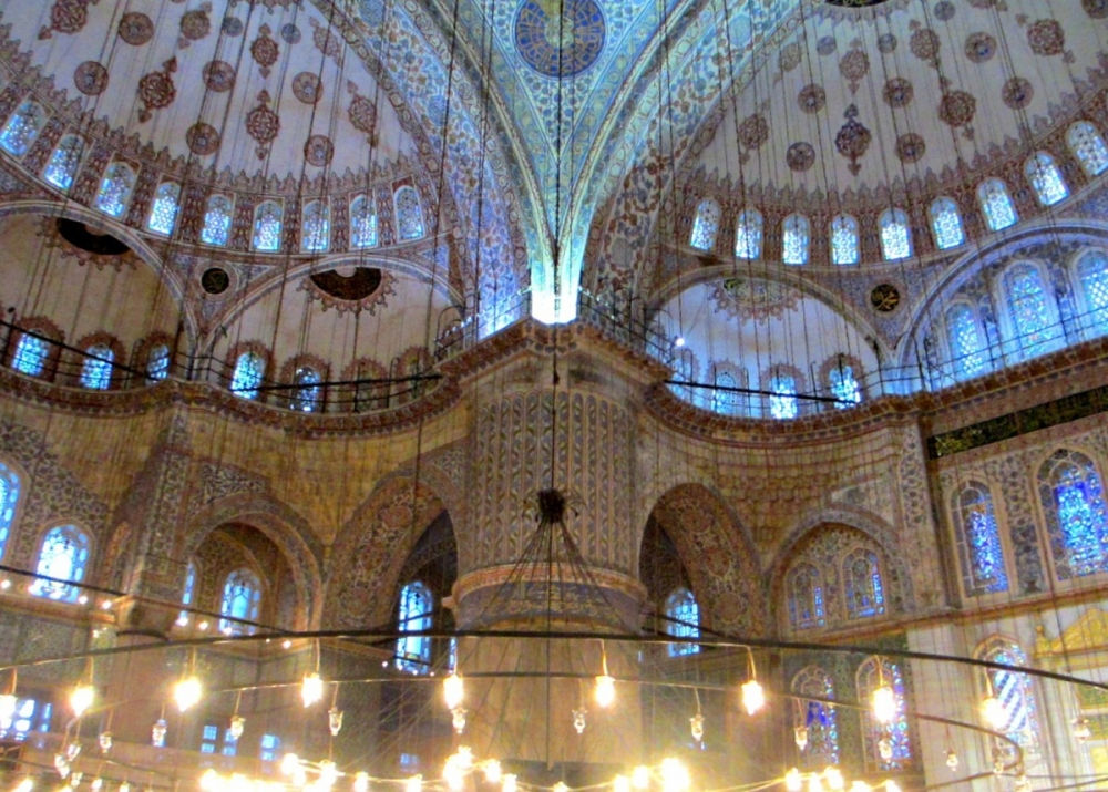 Istanbul: The Bad and the Ugly Parts (or, the Blue Mosque Smells Like Feet)