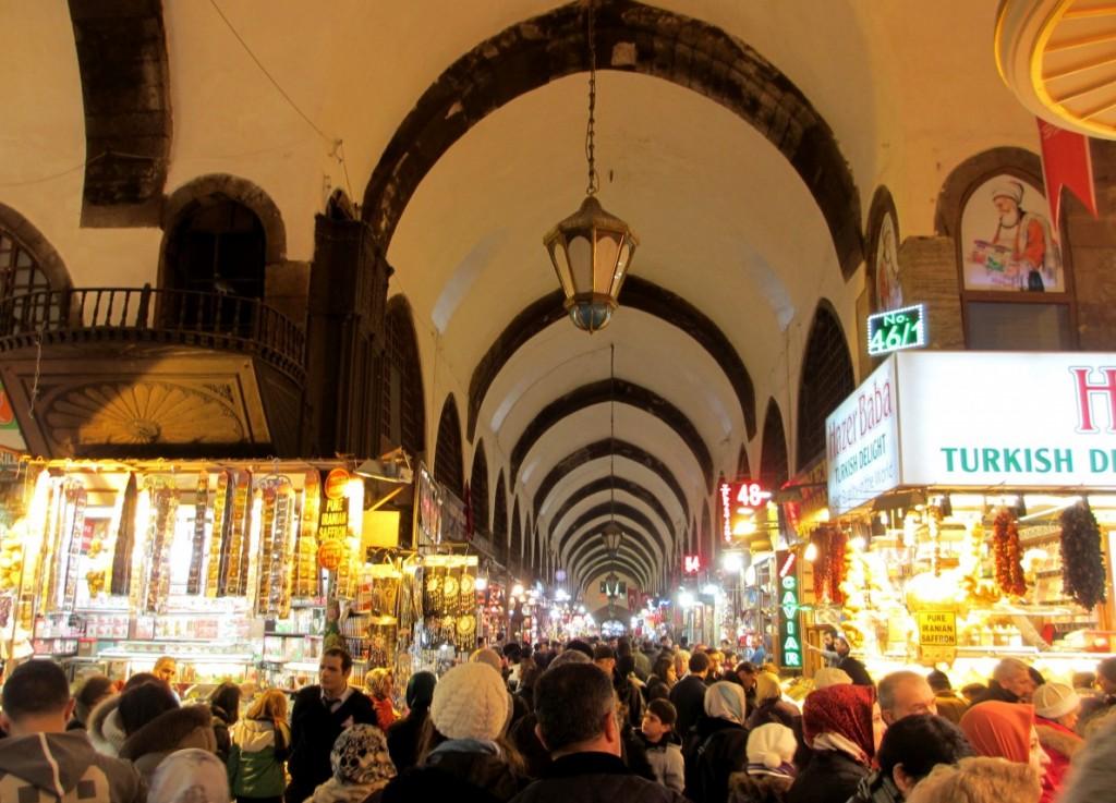 Spice-Bazaar-Istanbul-Turkey-travel