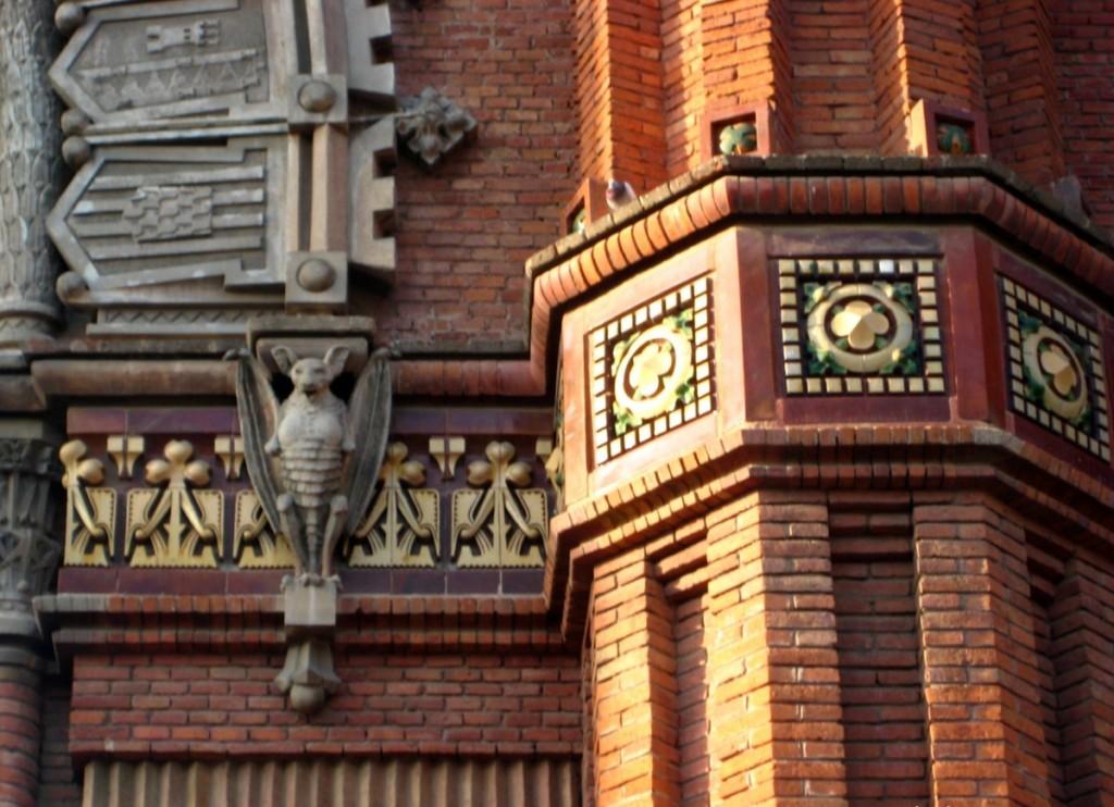 Barcelona-Arc-de-Triomf-bat