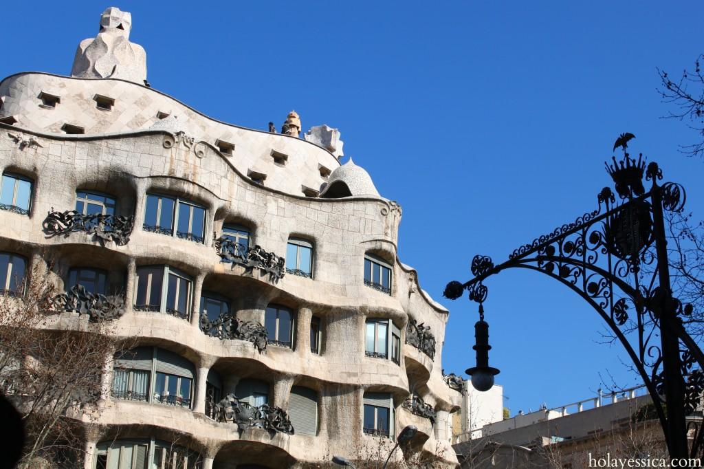 Barcelona-Pedrera-Passeig-de-Gracia-bat