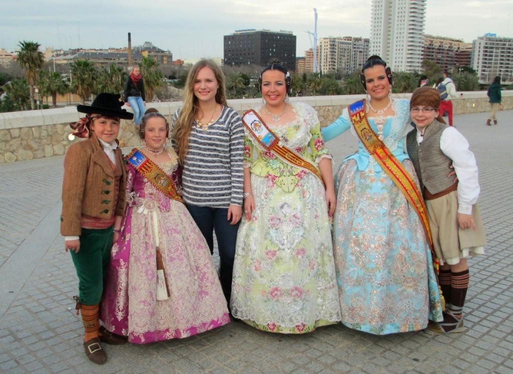 Valencia-Las-Fallas-traditional-outfits-2013