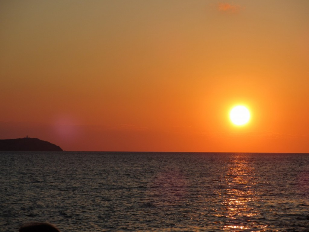 cafe-del-mar-sunset-ibiza