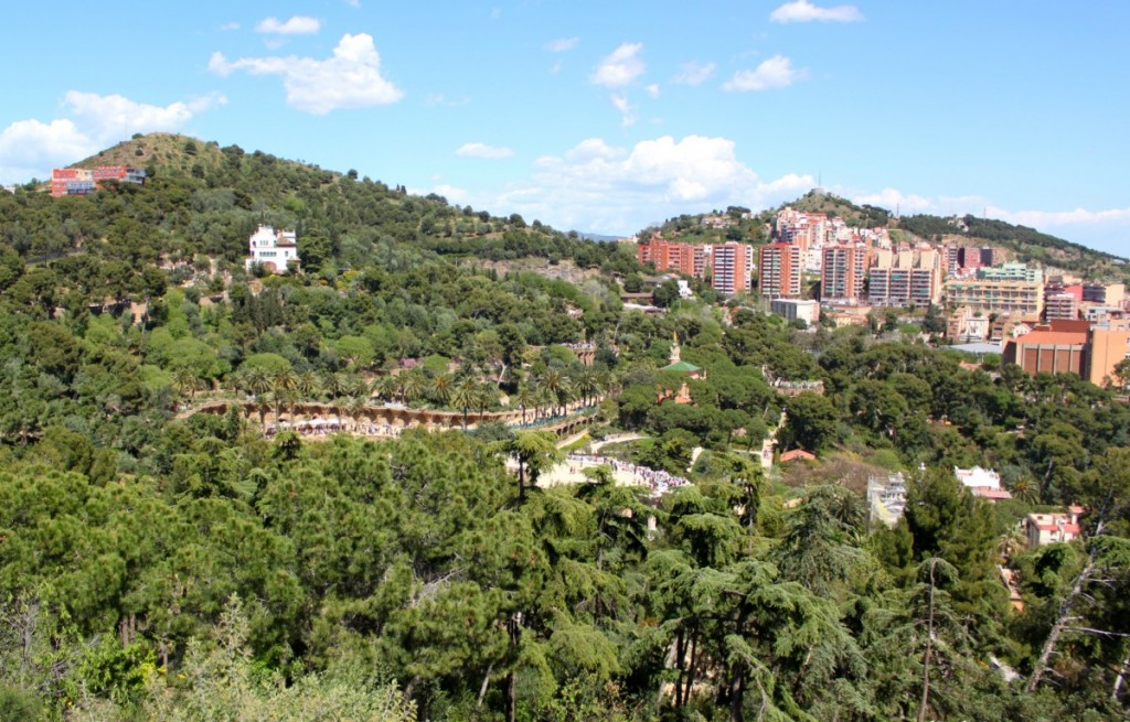 barcelona-parc-guell-spring-view