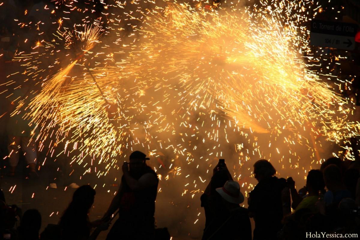 barcelona-correfocs-fiesta-de-gracia-2013