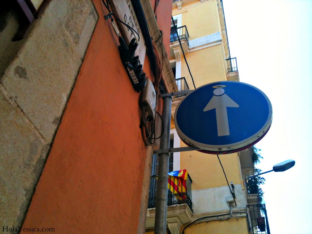 barcelona-street-sign-art-2
