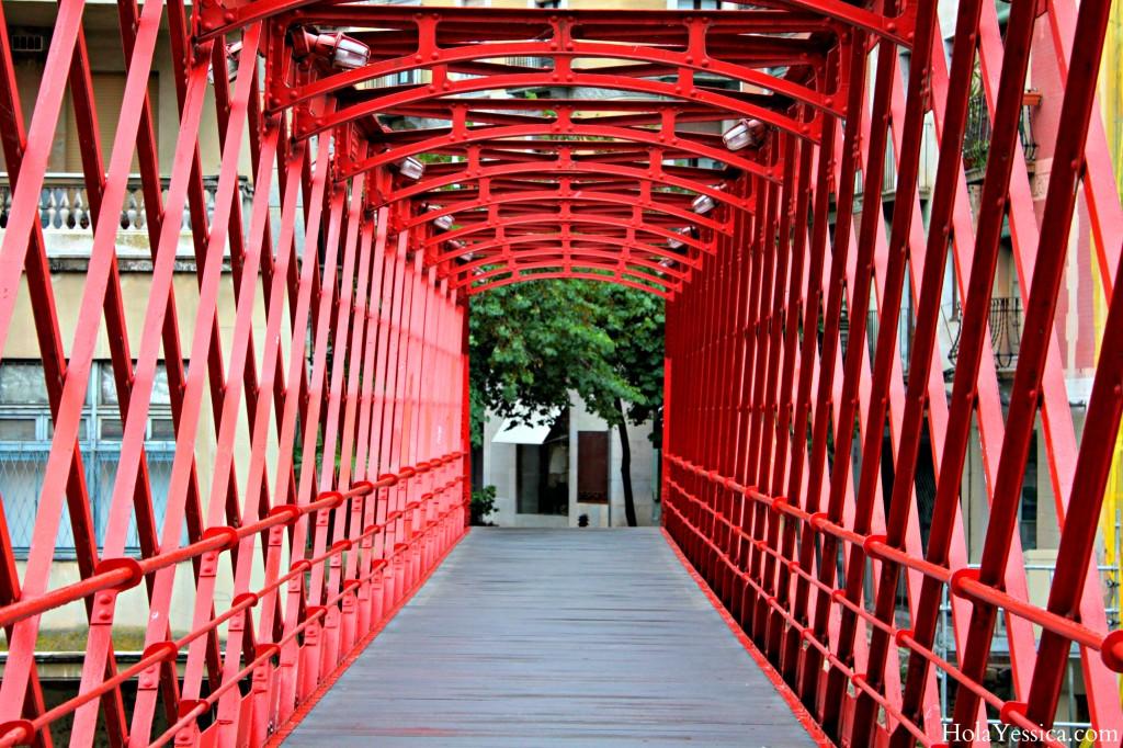 girona-eiffel-bridge-red