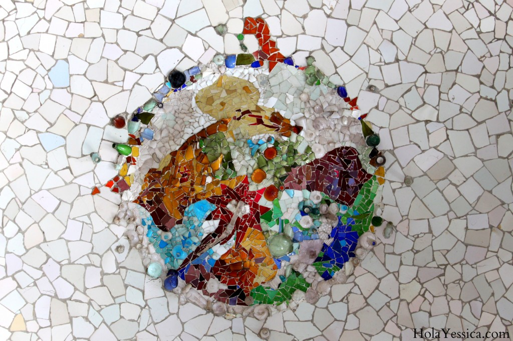 parc-guell-fees-barcelona-mosaics