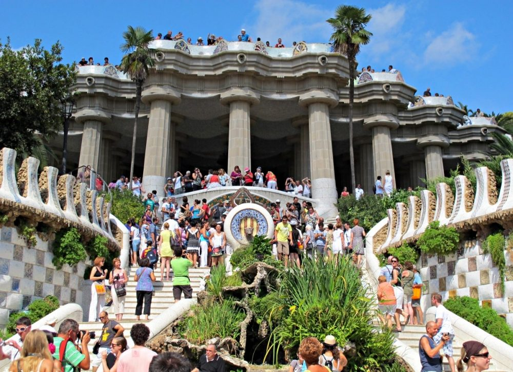parc-guell-crowded