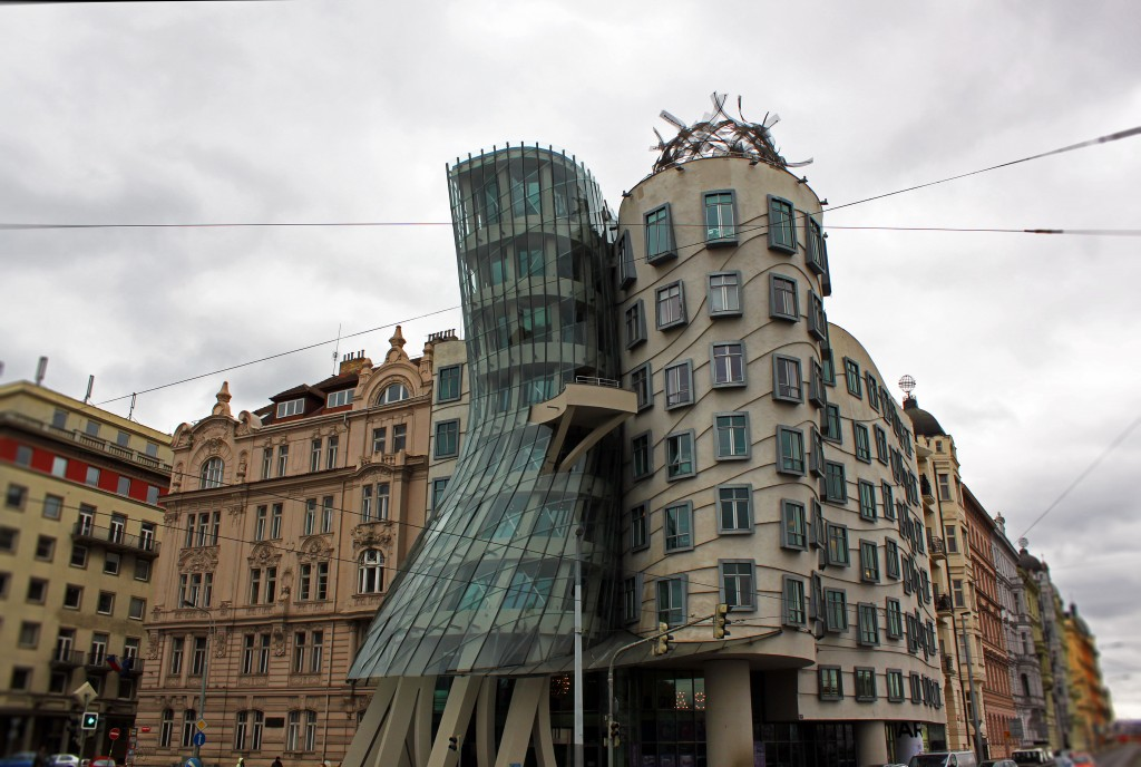 prague-frank-gehry-dancing-house