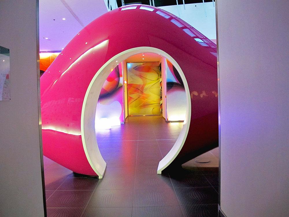 berlin-n-how-hotel-lobby