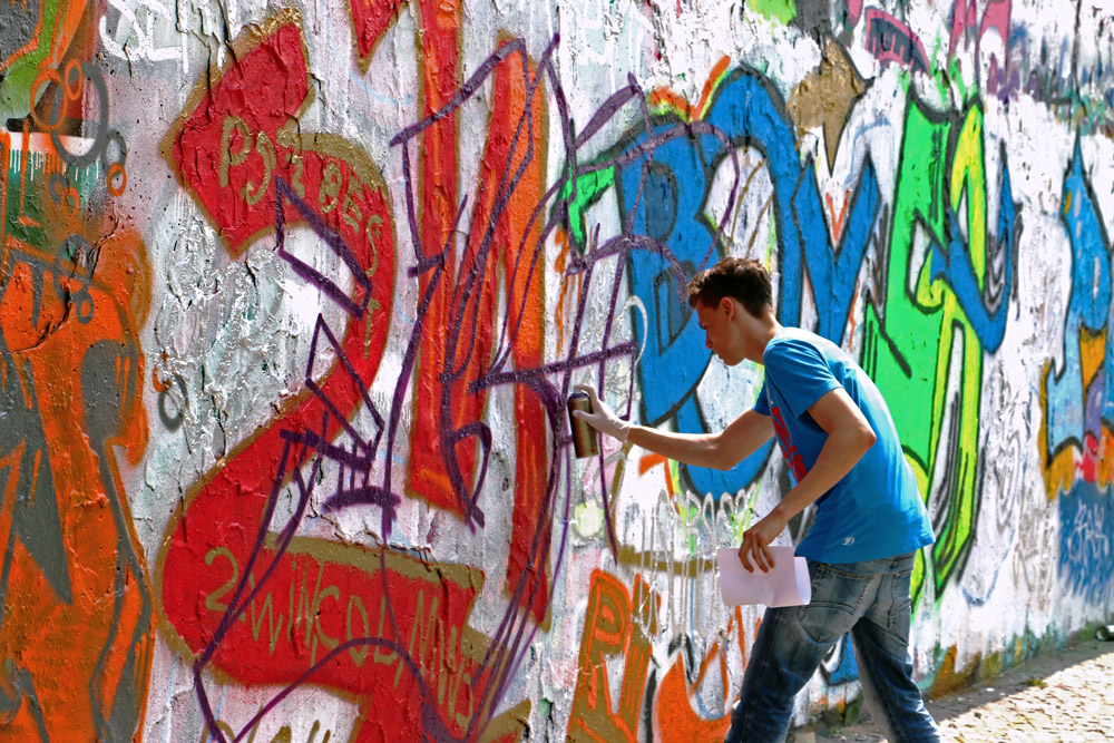 berlin-wall-graffiti-artist