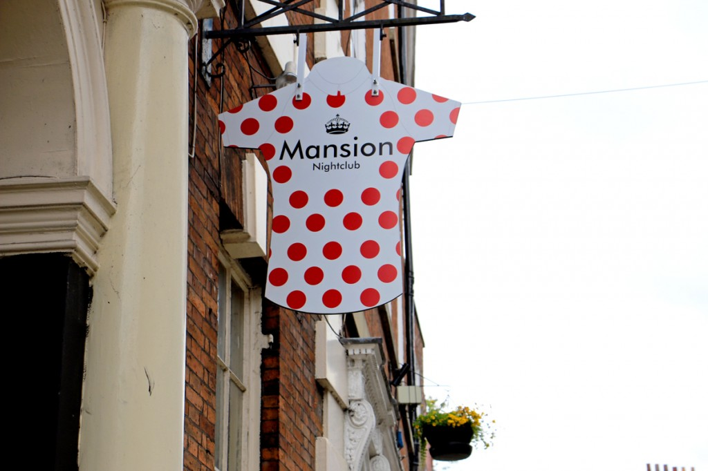 york-mansion-nightclub-tour-de-france