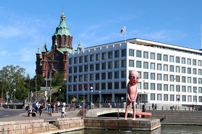 helsinki-finland-statue