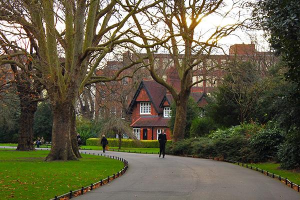 merrion-square-park-dublin