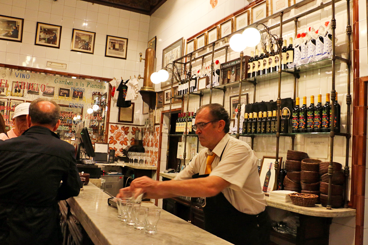 la-casa-del-abuelo-madrid-food-tour