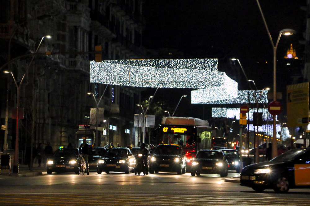 barcelona-christmas-lights-balmes-2014