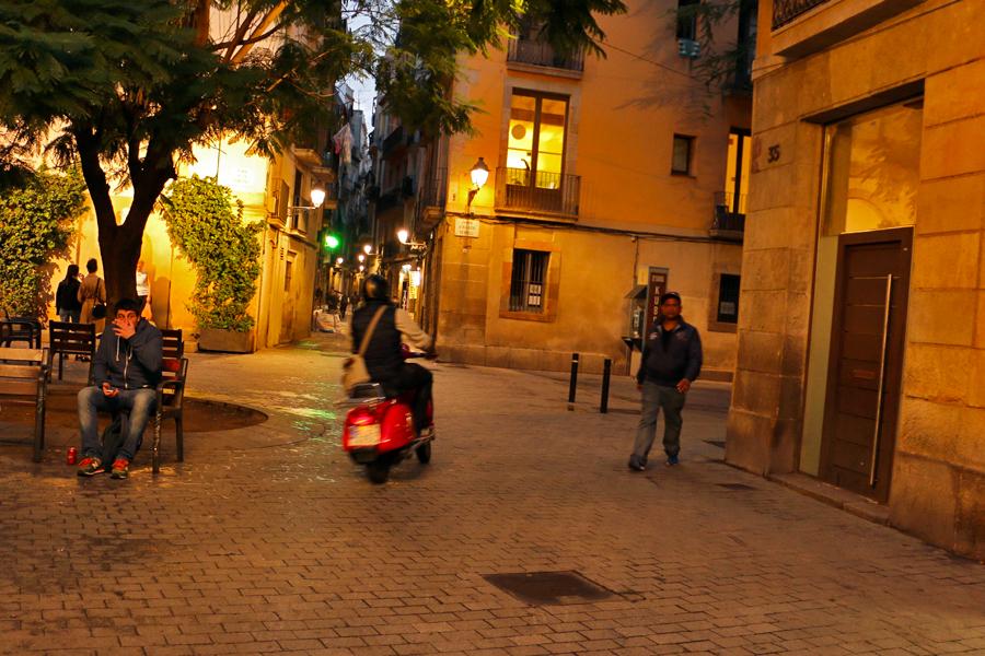 barcelona-el-born-nighttime