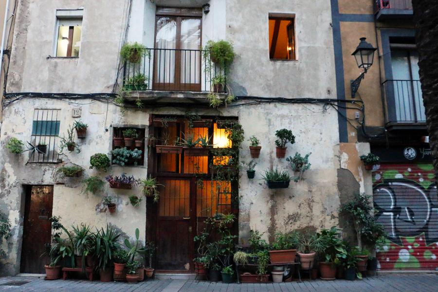 barcelona-pretty-doors-el-born