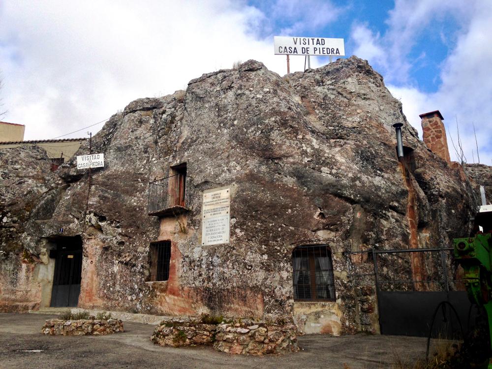 casa-de-piedra-alcolea-del-pinar