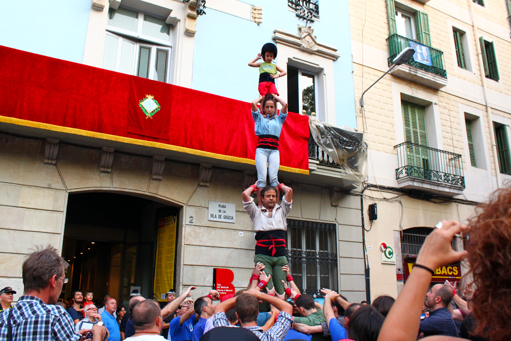 castellers-in-gracia-barcelona