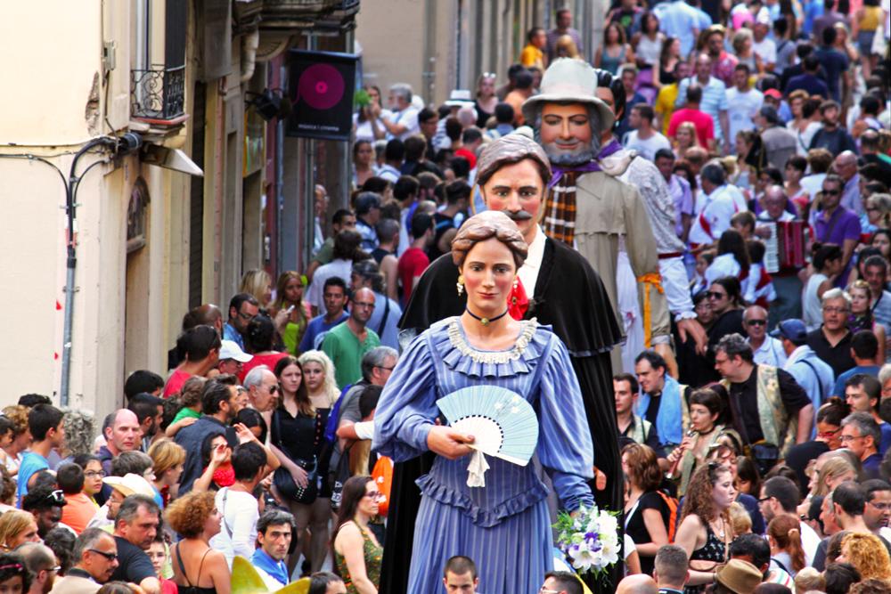 catalan-traditions-gegants-gracia-barcelona