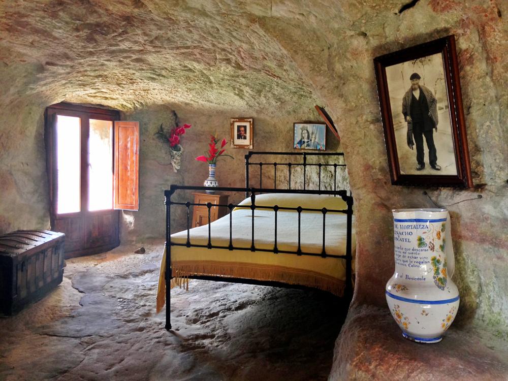 house-of-stone-alcolea-del-pinar