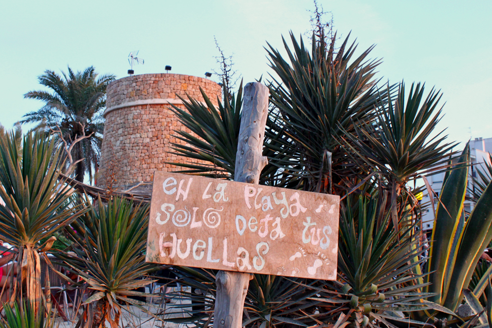 ibiza-beach-sign
