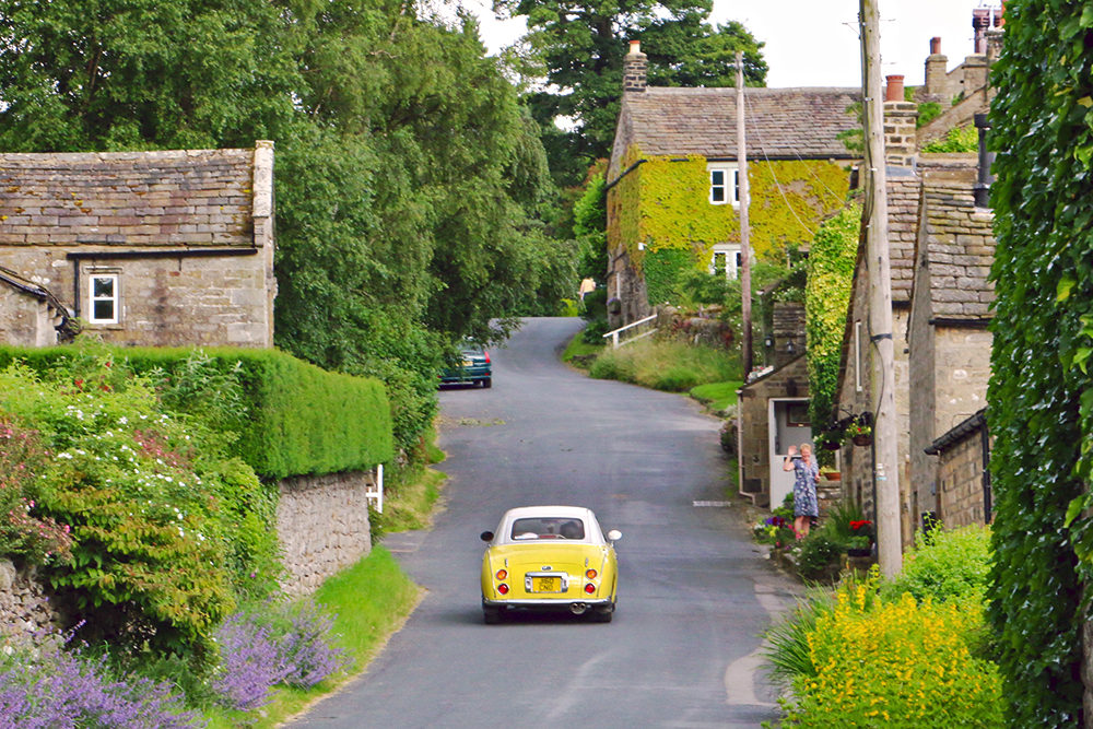 appletreewick-yorkshire-dales-vintage-car