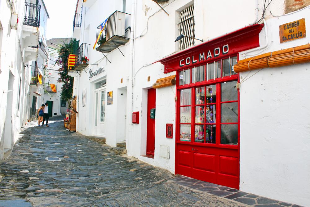 cadaques-white-streets-costa-brava