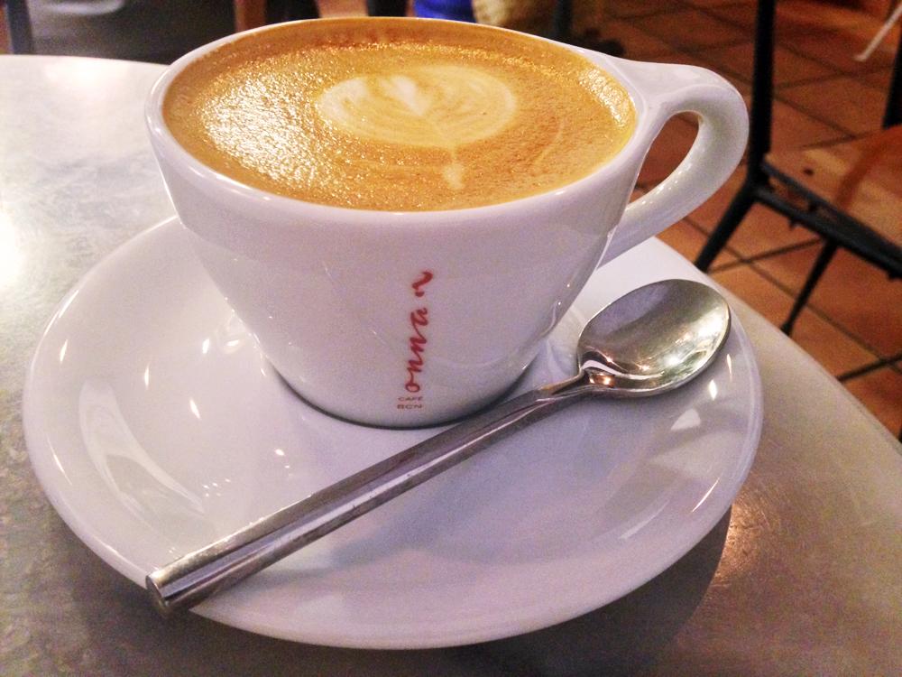 cute-cafes-gracia-barcelona-onna