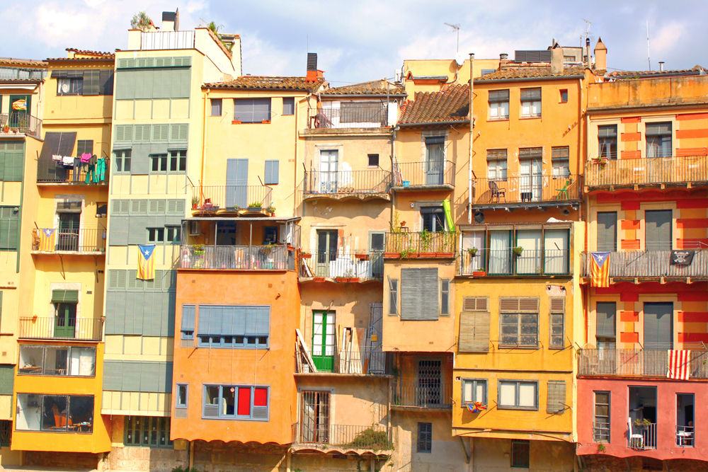 girona-spain-hanging-houses