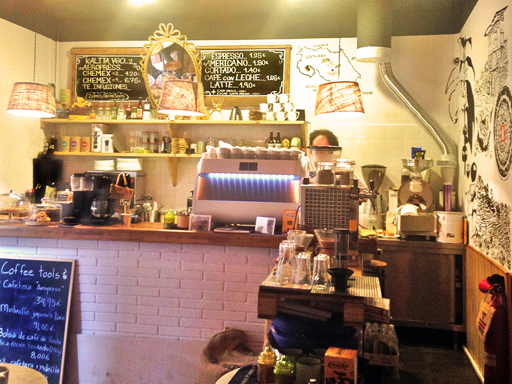 onna-cafe-gracia-barcelona-cute
