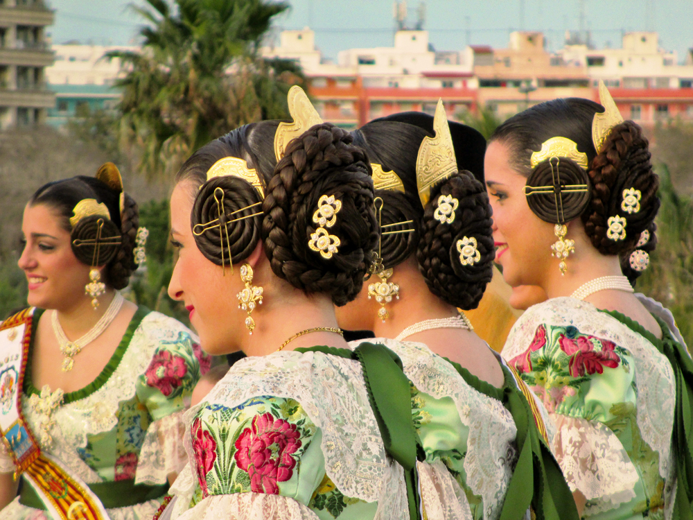 spanish-festivals-las-fallas-falleras