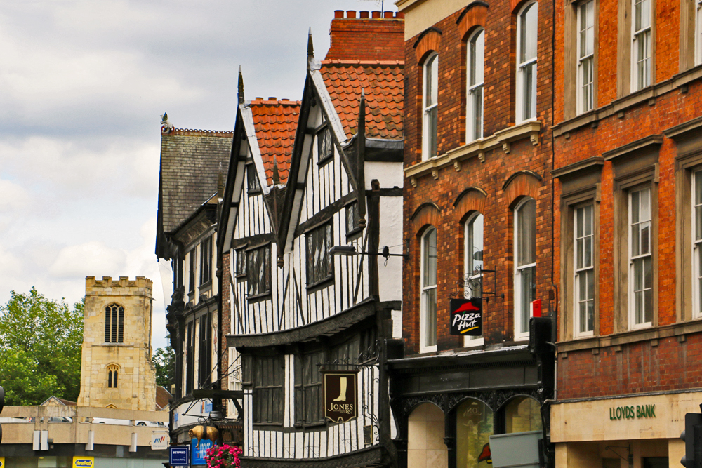 york-city-streets-yorkshire