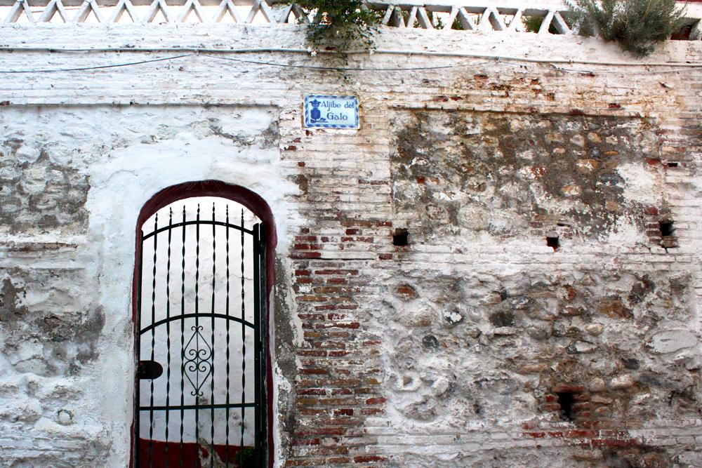 el-albayzin-granada-white-streets