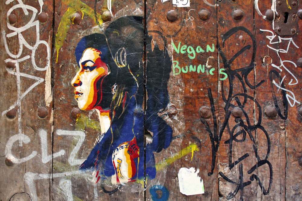 amy-winehouse-street-art-vitoy-barcelona