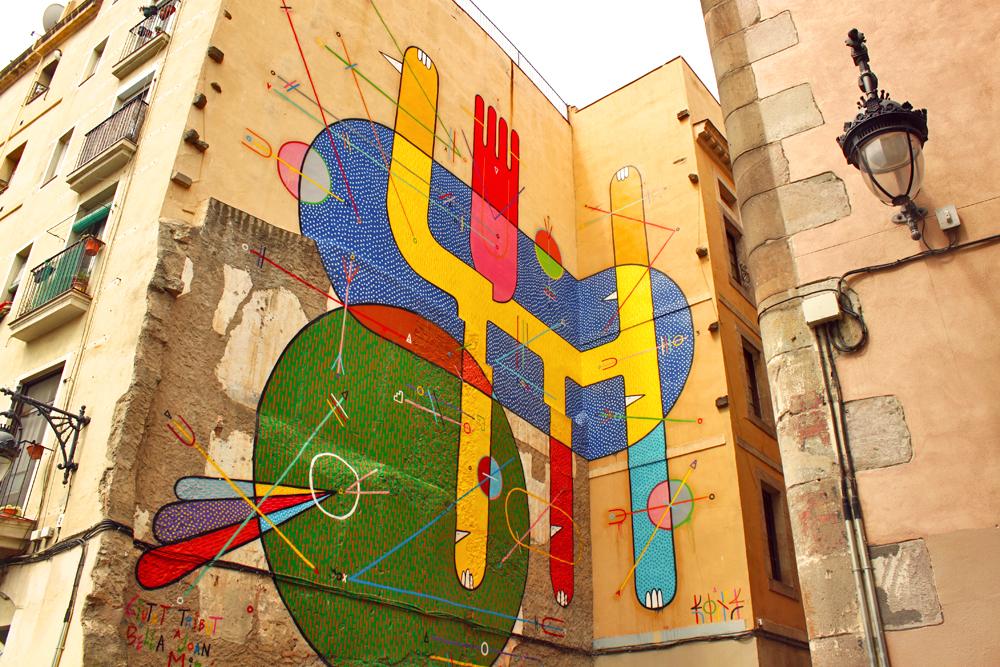 el-raval-barcelona-miro-street-art