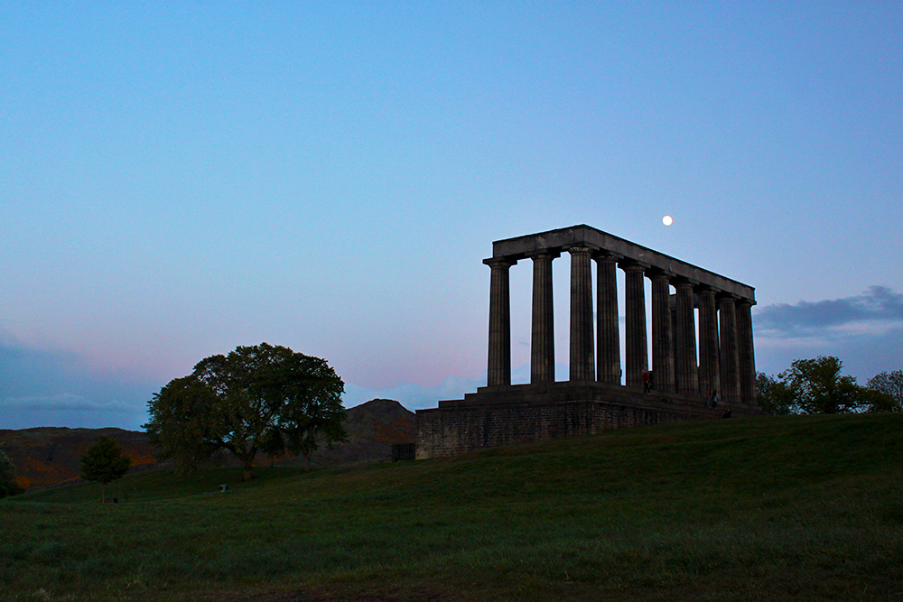 calton-hill-edinburgh-evening