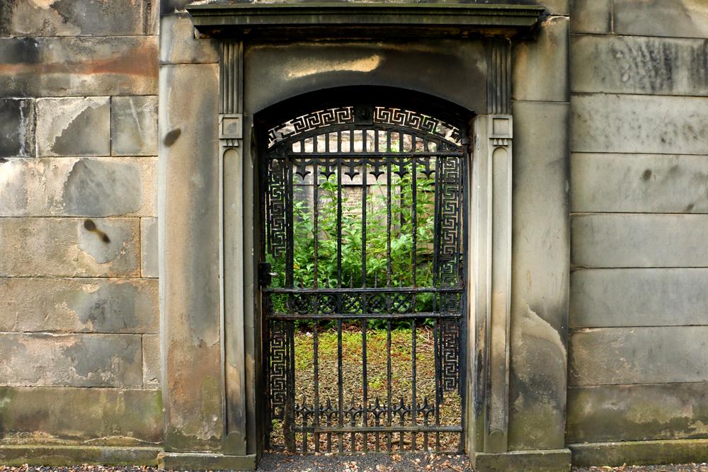 edinburgh-graveyard-greyfriars