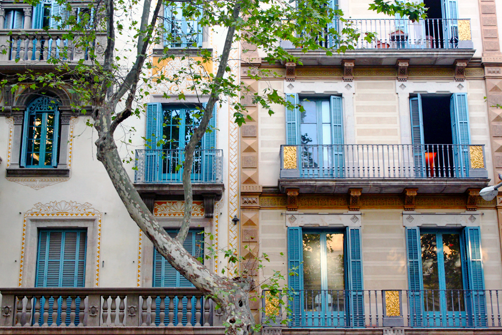 sant-antoni-barcelona-pretty-buildings